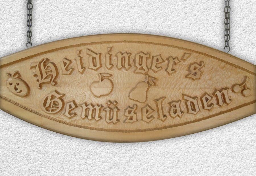 Heidinger's Gemüseladen: Holztafel